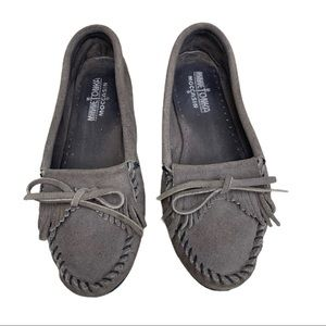 Minnetonka Classic Shoe in Grey